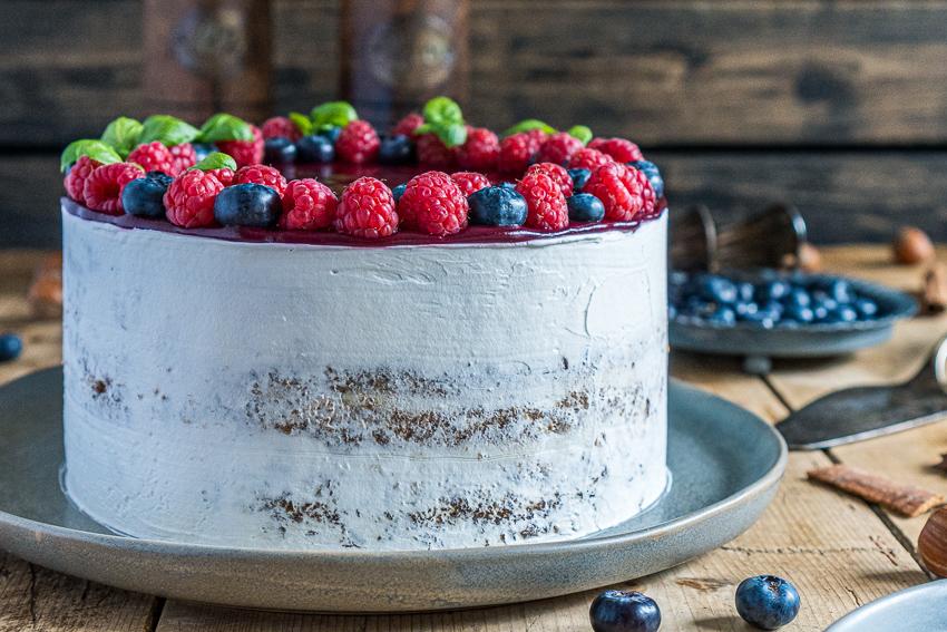 cassis-haselnuss-torte-005