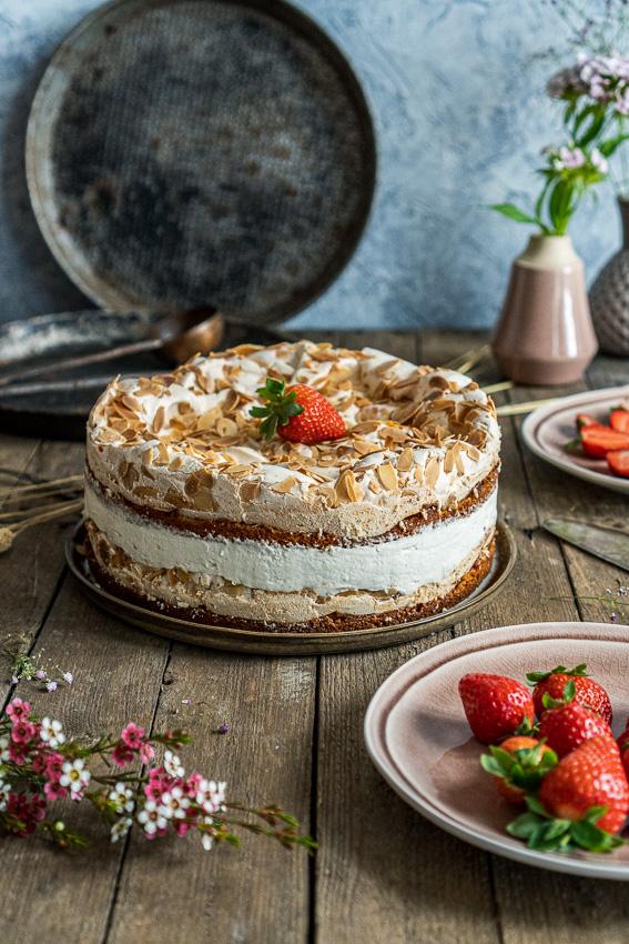 erdbeer-baiser-torte-011