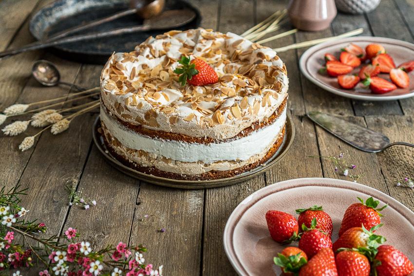 erdbeer-baiser-torte-014