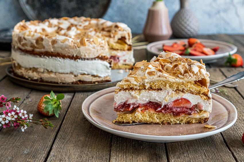 erdbeer-baiser-torte-030