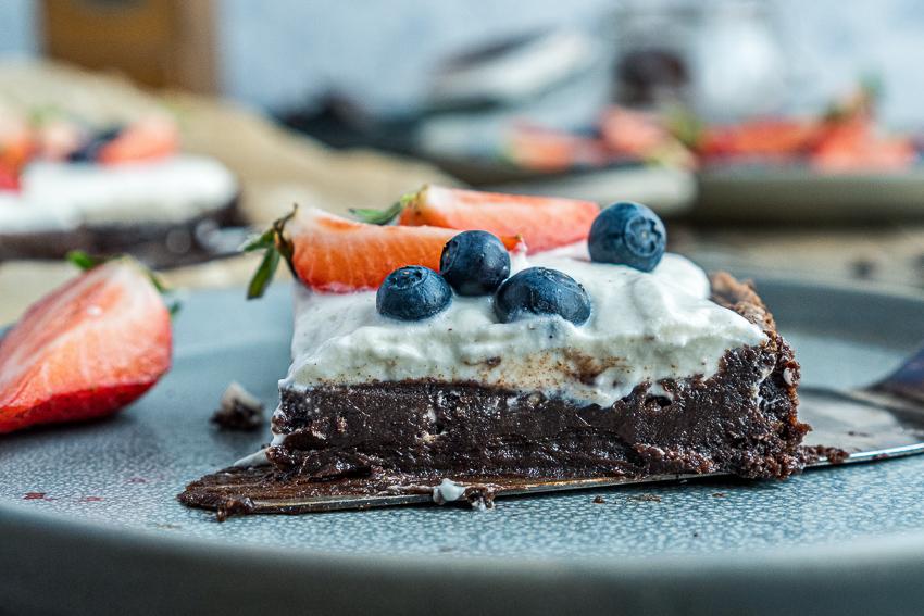 fudgy-brownies-mit-ricotta-und-beeren-012