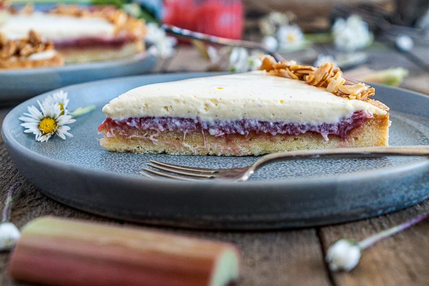 rhabarber-tarte-mit-bayrischer-creme-022