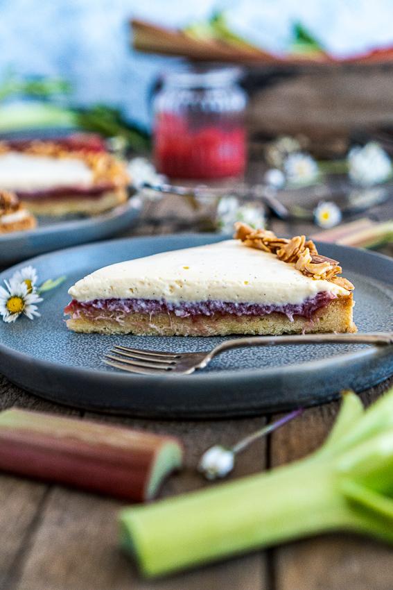 rhabarber-tarte-mit-bayrischer-creme-027
