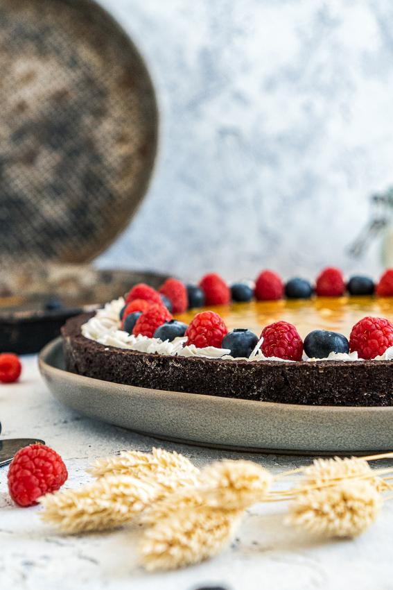schokomousse-tarte-mit-maracuja-karamell-007