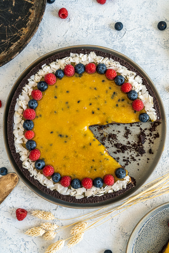 schokomousse-tarte-mit-maracuja-karamell-019
