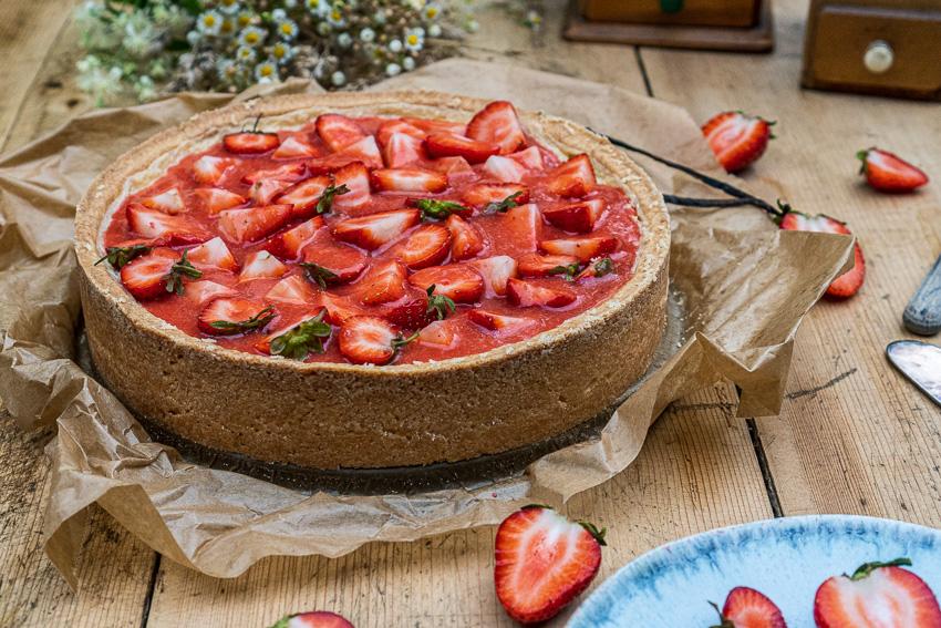 erdbeer-schmandkuchen-mit-madagaskar-vanille-003