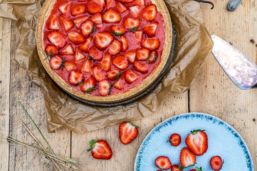 erdbeer-schmandkuchen-mit-madagaskar-vanille-018