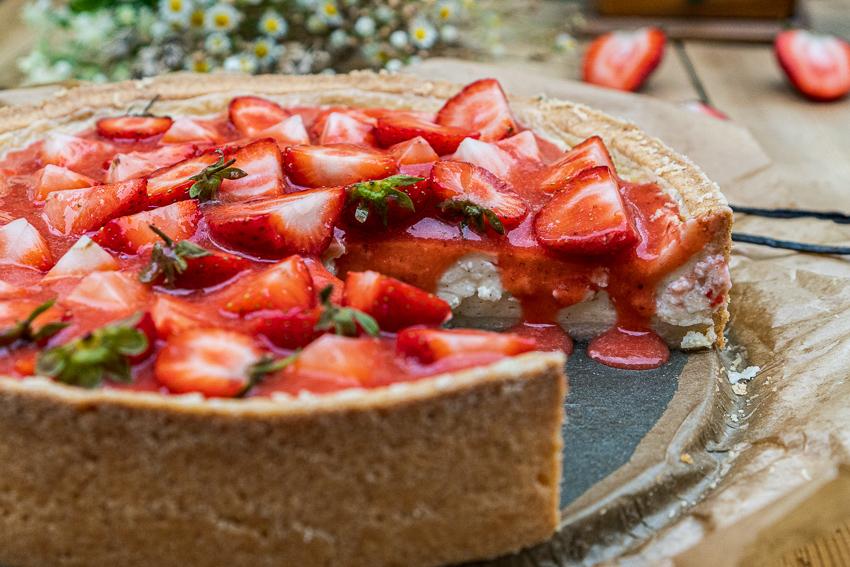 erdbeer-schmandkuchen-mit-madagaskar-vanille-040