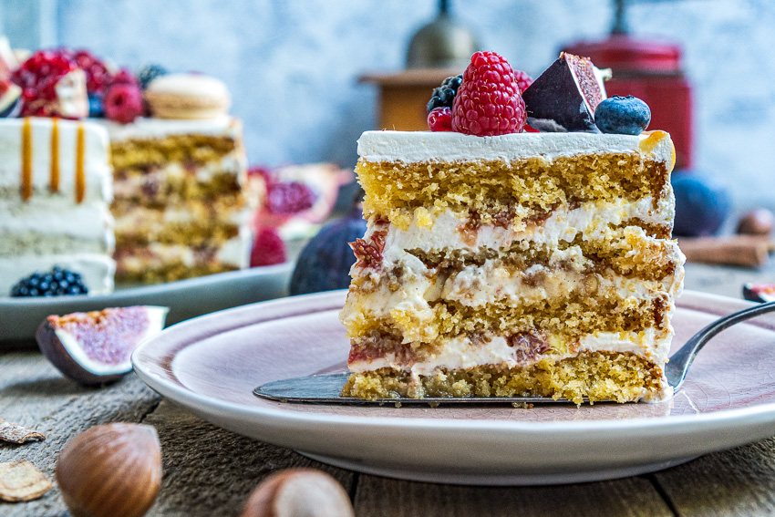 feigen-honig-torte-mit-karamellisierten-pinienkernen-030