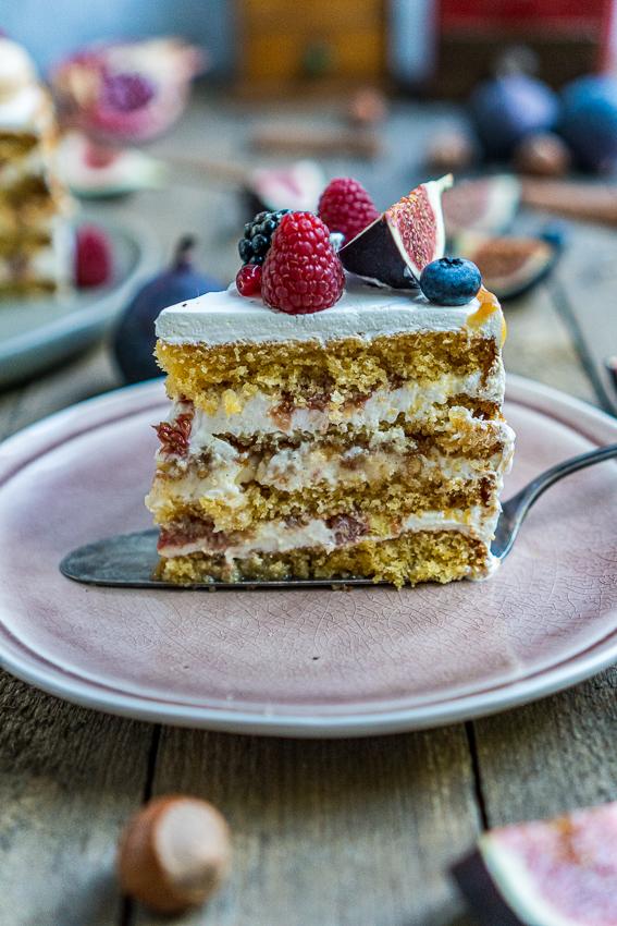 feigen-honig-torte-mit-karamellisierten-pinienkernen-043