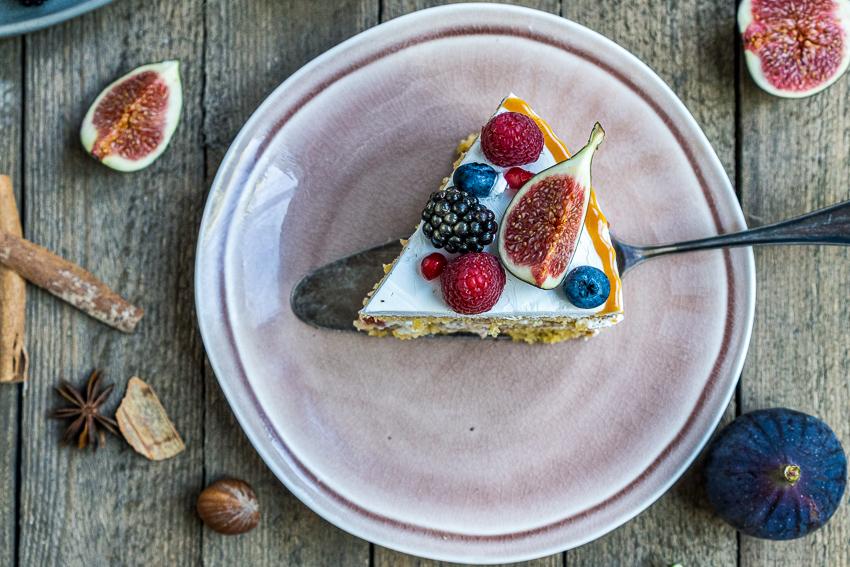 feigen-honig-torte-mit-karamellisierten-pinienkernen-051