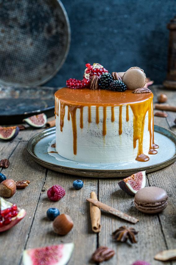 schoko-vanille-torte-mit-karamellisierten-pekannüssen-014