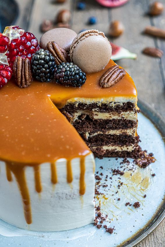 schoko-vanille-torte-mit-karamellisierten-pekannüssen-030