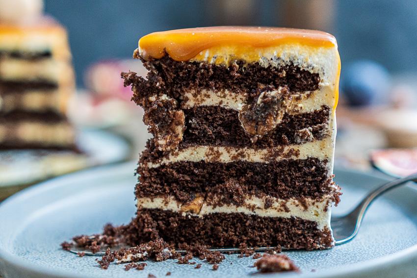 schoko-vanille-torte-mit-karamellisierten-pekannüssen-033