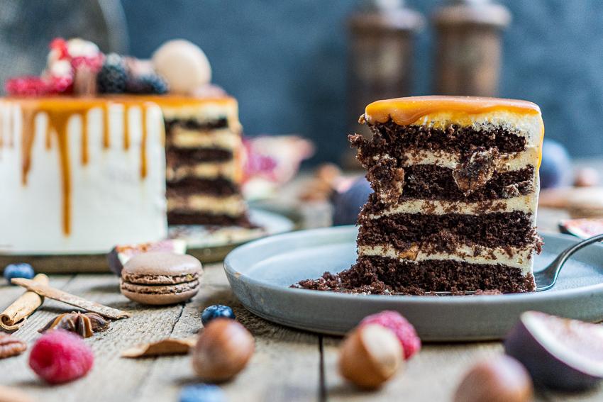 schoko-vanille-torte-mit-karamellisierten-pekannüssen-034