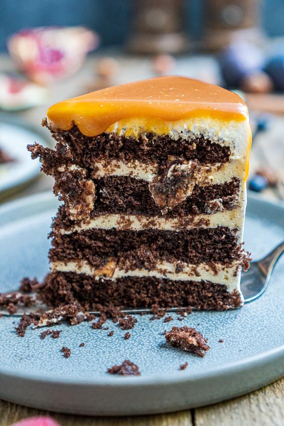 schoko-vanille-torte-mit-karamellisierten-pekannüssen-039
