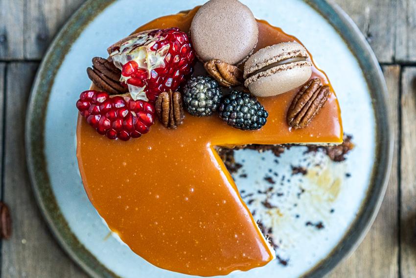 schoko-vanille-torte-mit-karamellisierten-pekannüssen-046