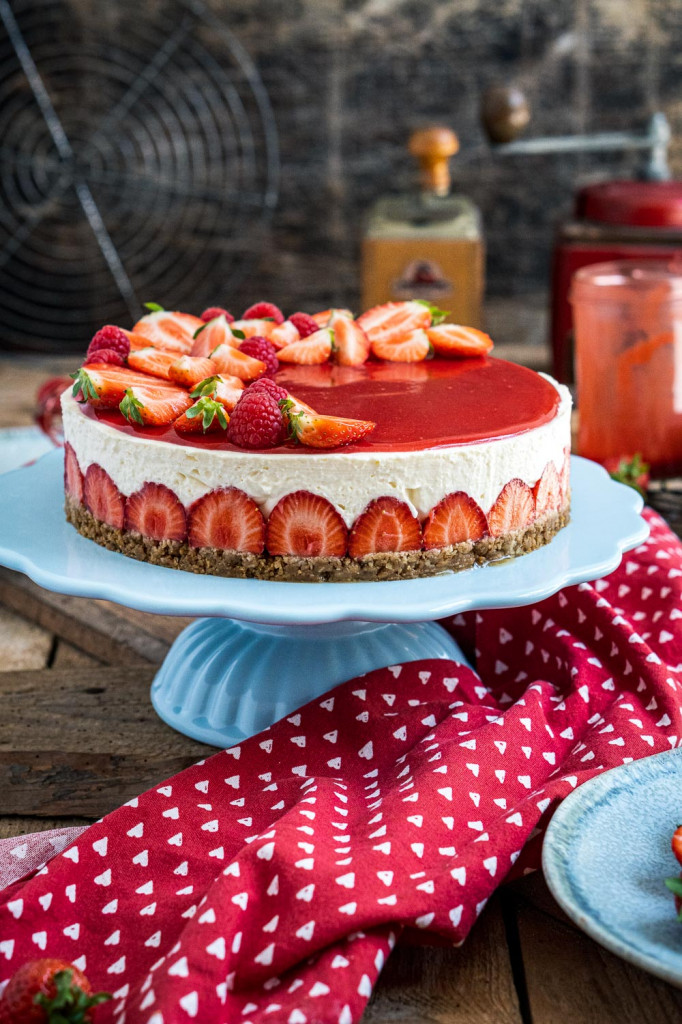 erdbeer-torte-ohne-backen-001