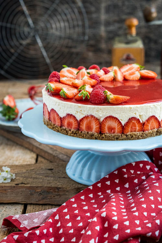 erdbeer-torte-ohne-backen-010