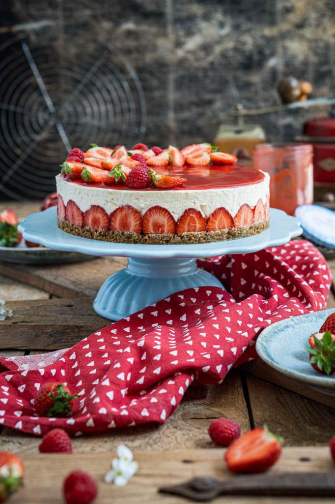 erdbeer-torte-ohne-backen-015