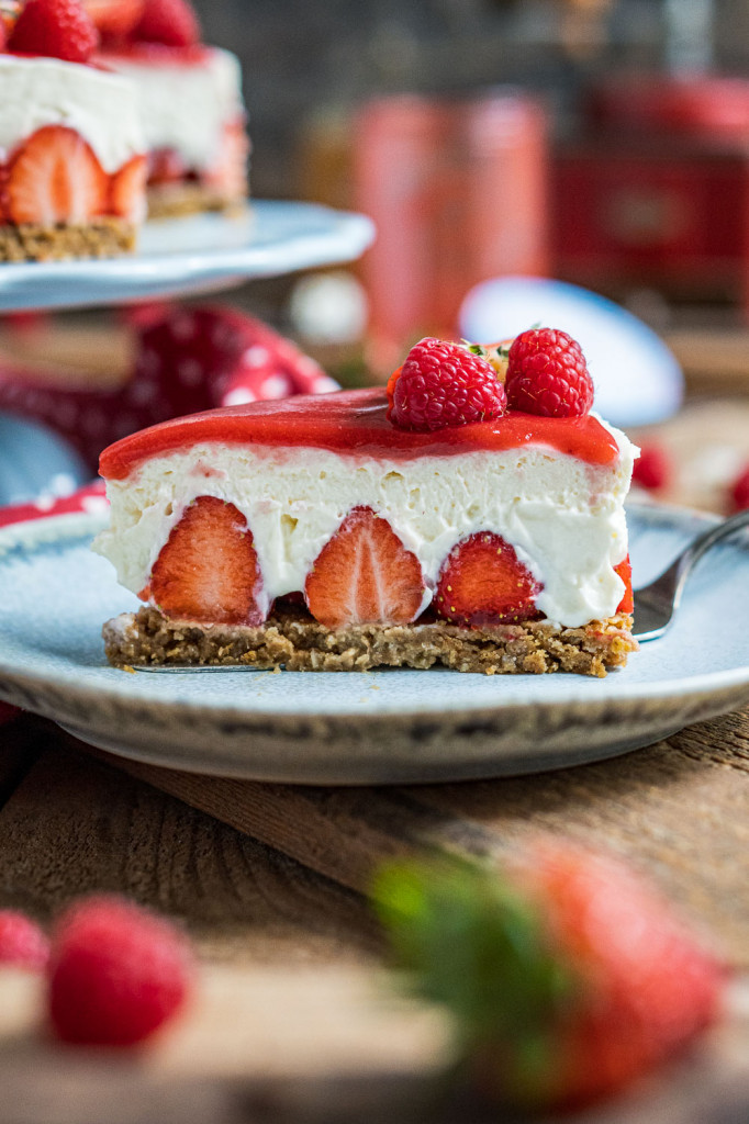 erdbeer-torte-ohne-backen-026