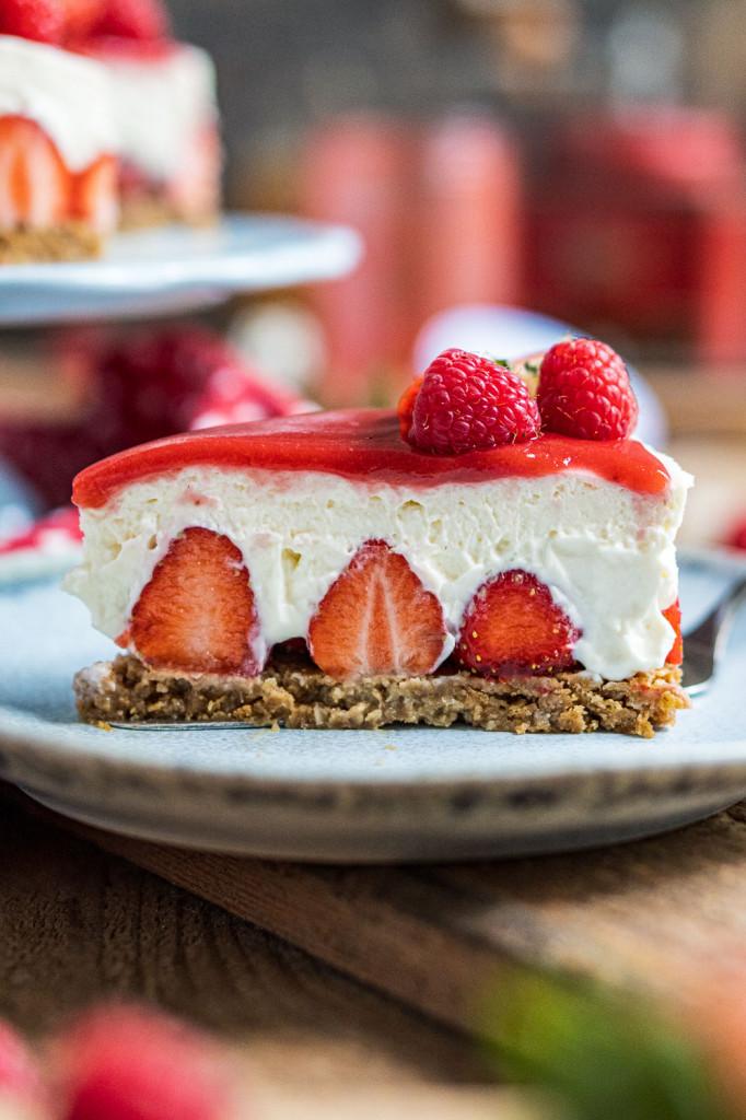 erdbeer-torte-ohne-backen-029