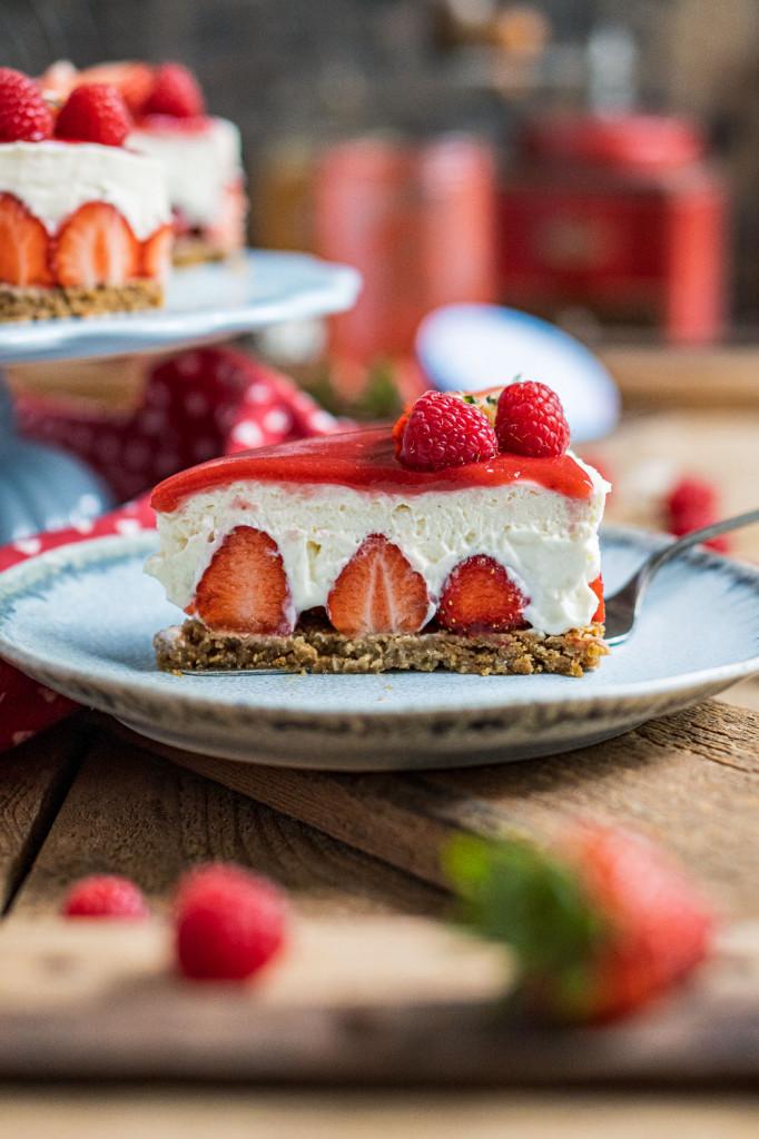 erdbeer-torte-ohne-backen-031