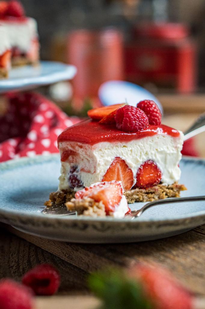 erdbeer-torte-ohne-backen-038