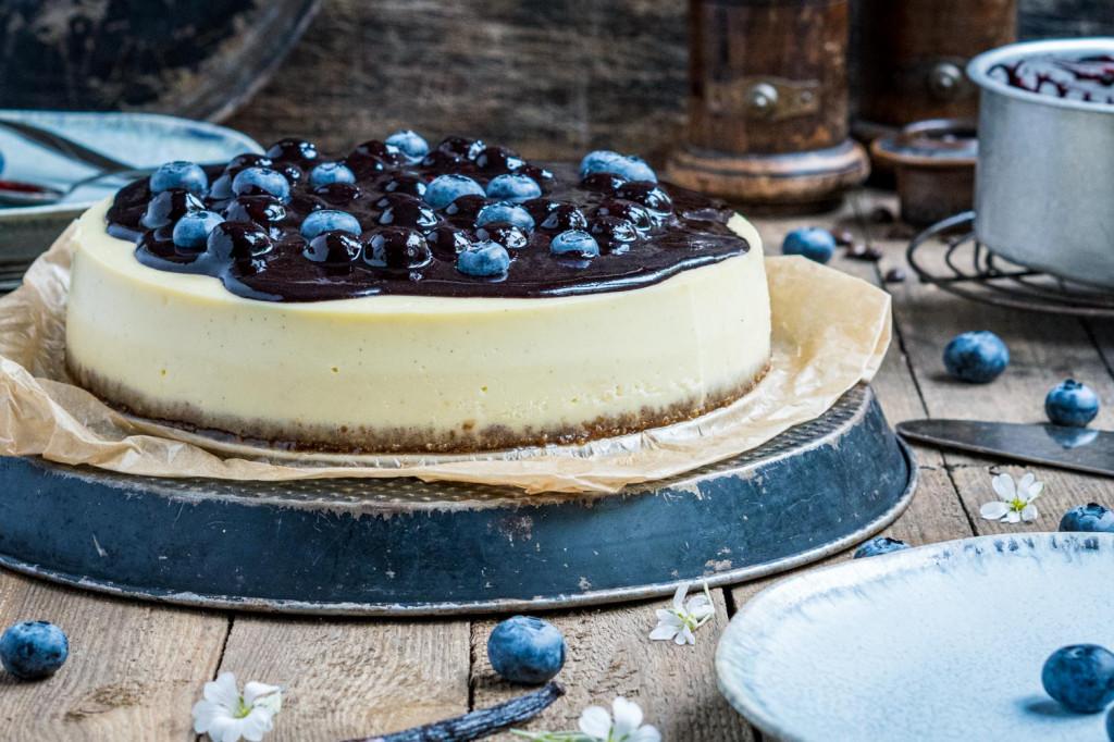 blaubeer-cheesecake-mit-weißer-schokolade-004