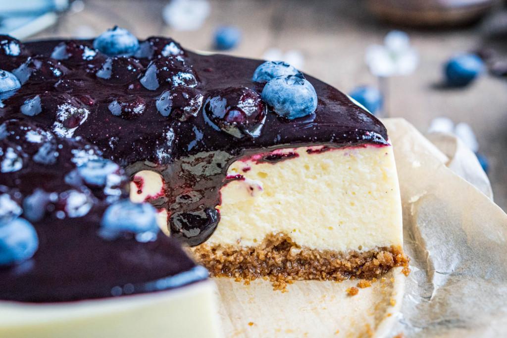 blaubeer-cheesecake-mit-weißer-schokolade-043
