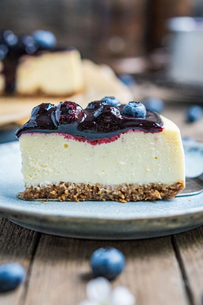 blaubeer-cheesecake-mit-weißer-schokolade-053