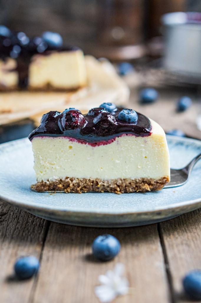 blaubeer-cheesecake-mit-weißer-schokolade-058