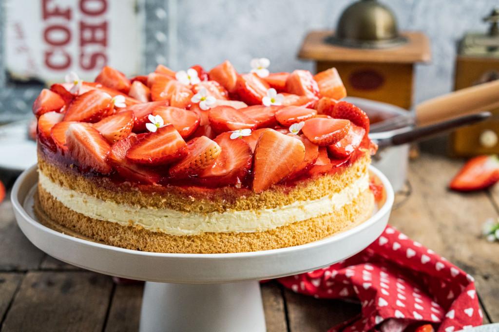 erdbeer-vanille-torte-004