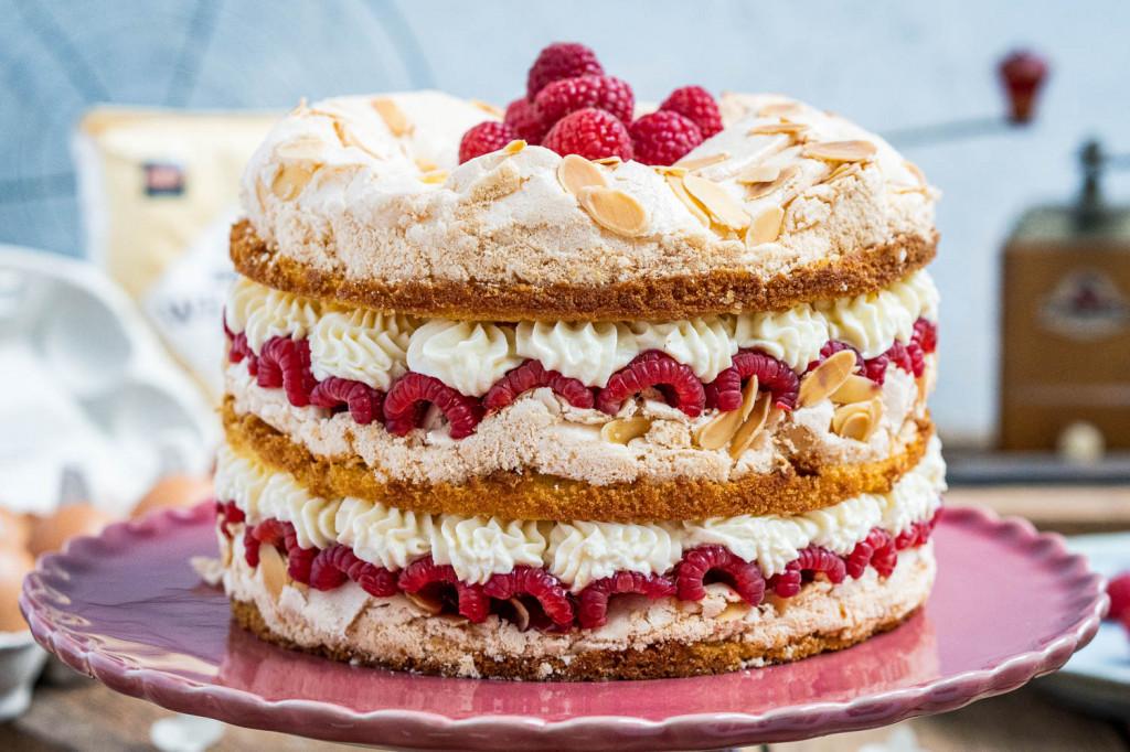 himbeer-baiser-torte-007