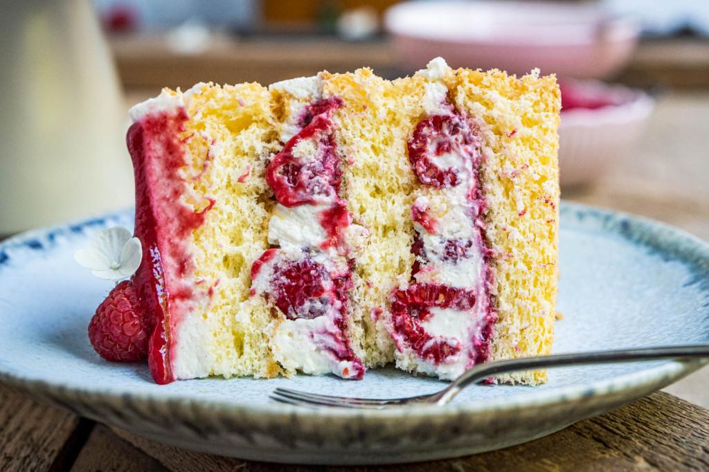 himbeer-joghurt-torte-035