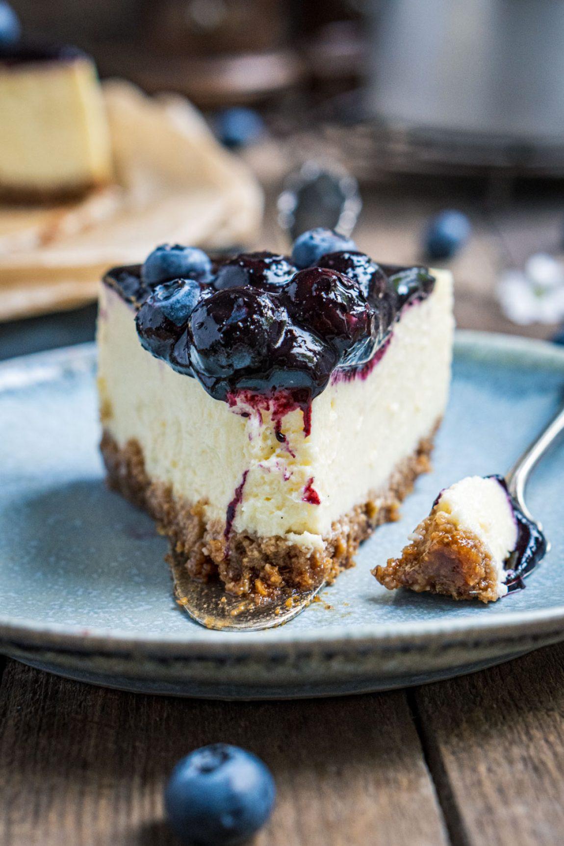blaubeer-cheesecake-mit-weißer-schokolade-064
