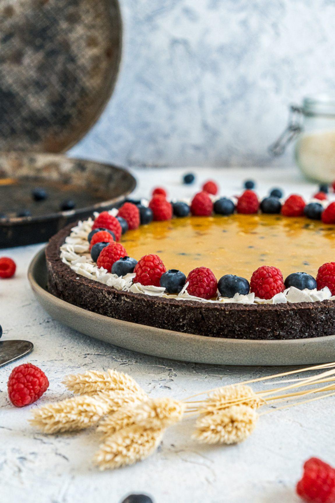 schokomousse-tarte-mit-maracuja-karamell-009